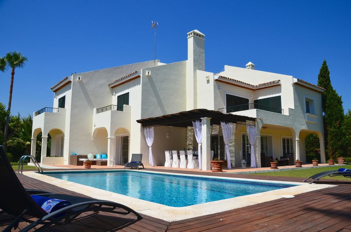 Sotogrande. Corazon de Leon: A unique villa located in this prestigious development a short distance,Spain