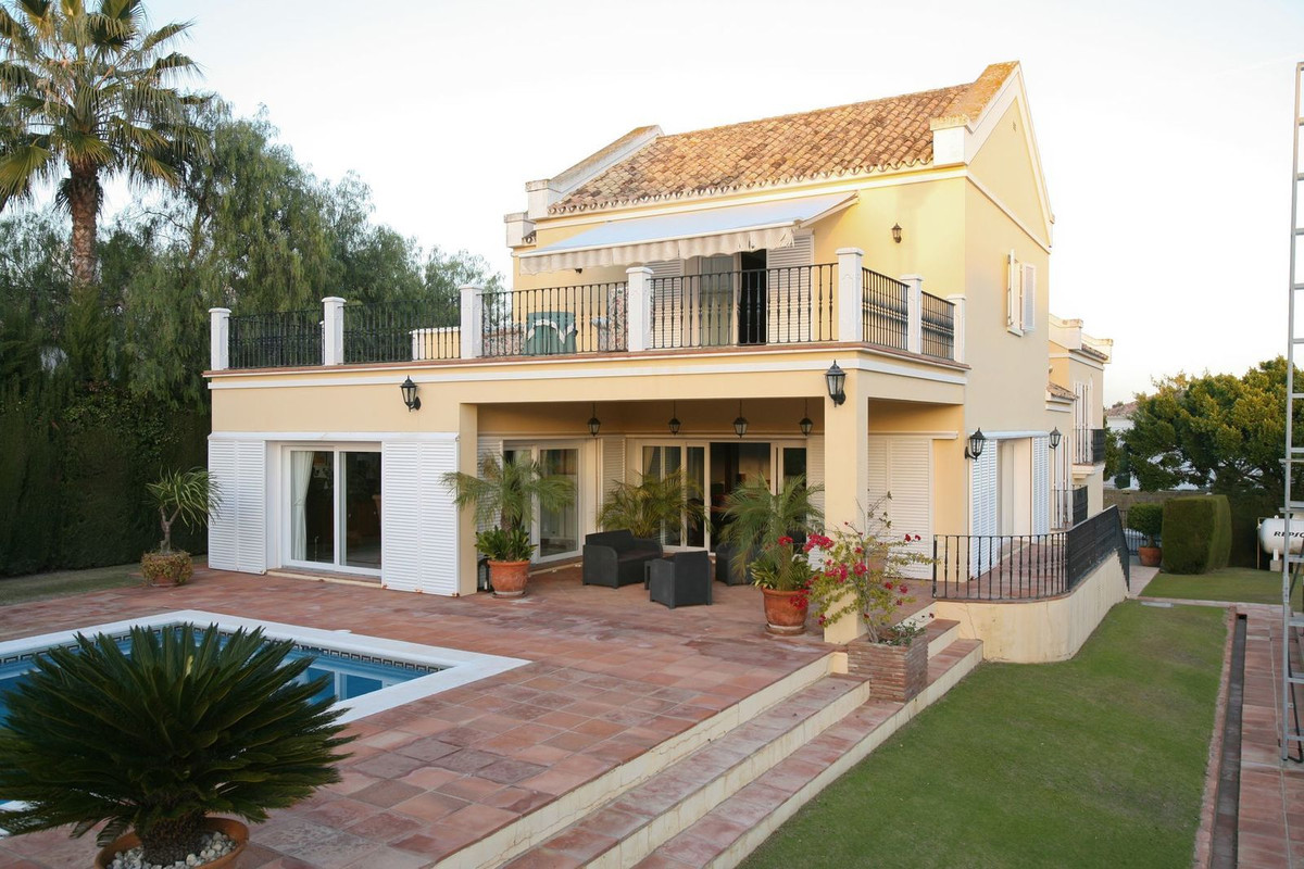 Four bedroom villa in the sought-after area of Kings and Queens in Sotogrande Costa. The property fe, Spain