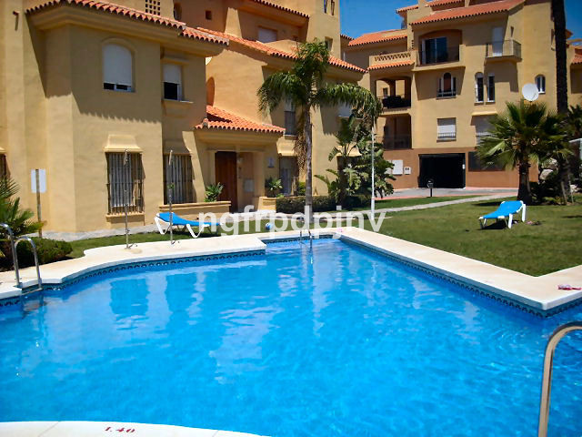 Exterior and good quality apartment with 3 bedrooms, 2 bathrooms, in a private and very quiet area, , Spain