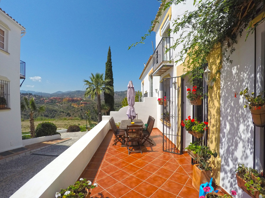 Rare to the market in a sought after urbanisation, this character townhouse is situated in a quiet A,Spain
