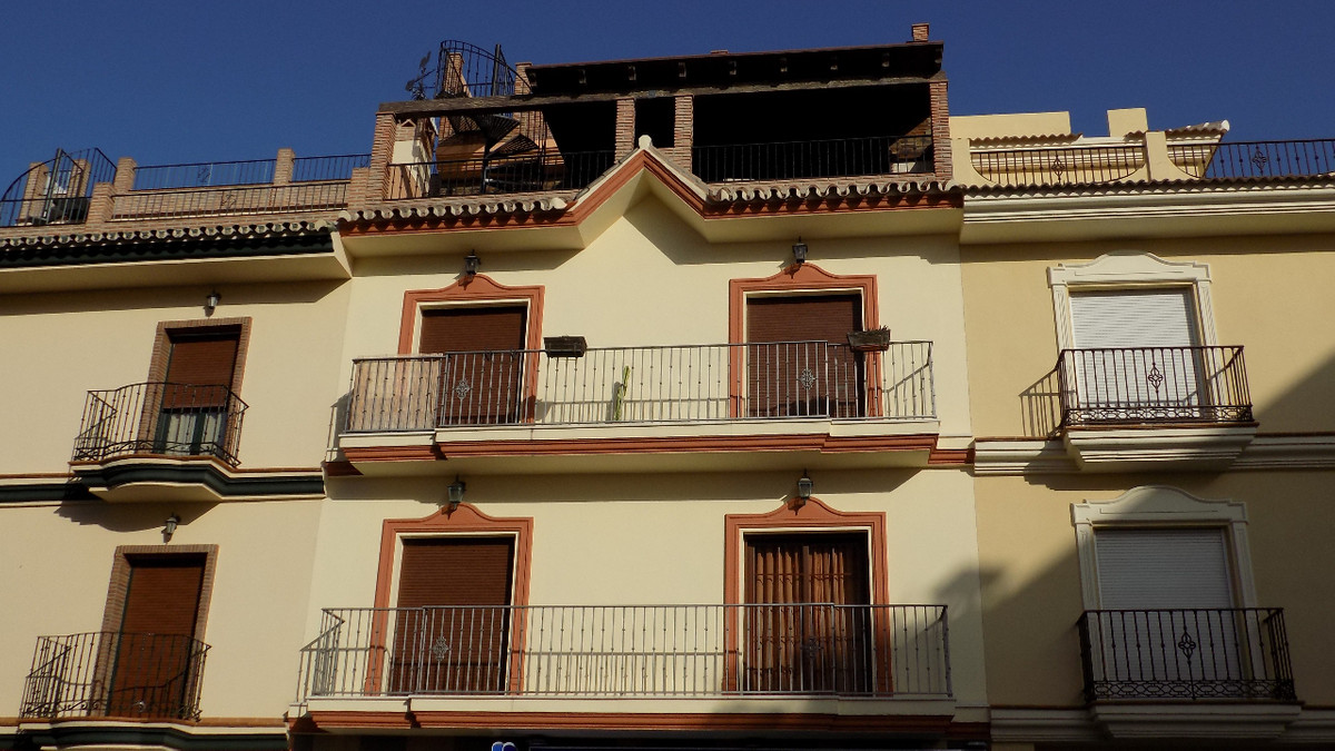This beautifully finished apartment is located on the street Blas Infante in Alhaurin el Grande. The, Spain