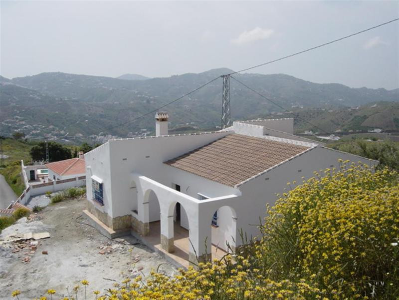 Beautiful new building chalet with mountains views, fire place, covered porch, garage, private pool , Spain