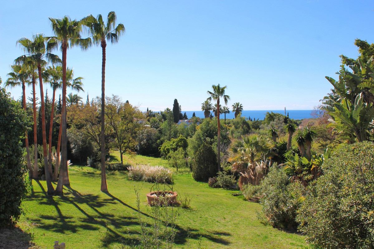 A rare opportunity to purchase a south facing villa with spectacular views over the extensive tropic,Spain