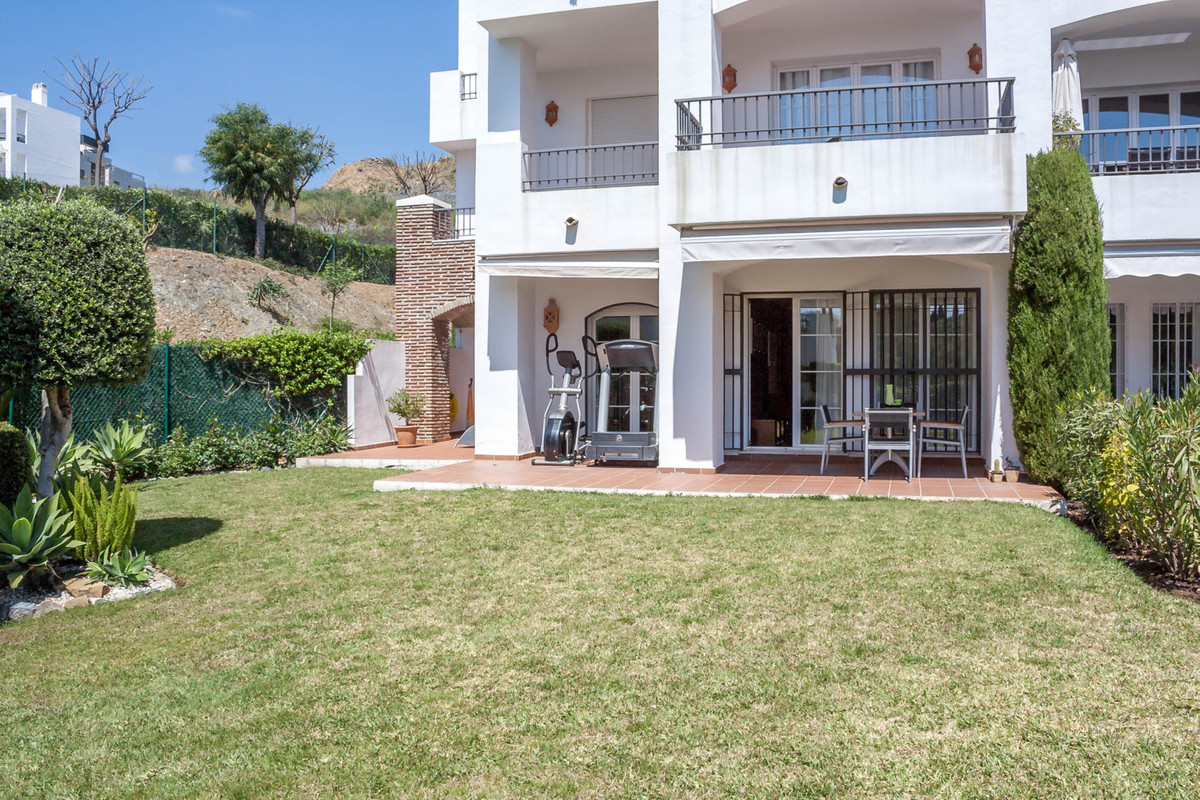 ABSOLUTELY BEAUTIFUL 3 bed 2 bath ground floor flat with direct mountain views from its garden and m,Spain