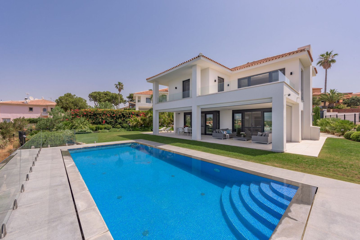 New 4 Bedroom 4 Bathroom contemporary villa with amazing views, located on the mountainside of Cabop, Spain