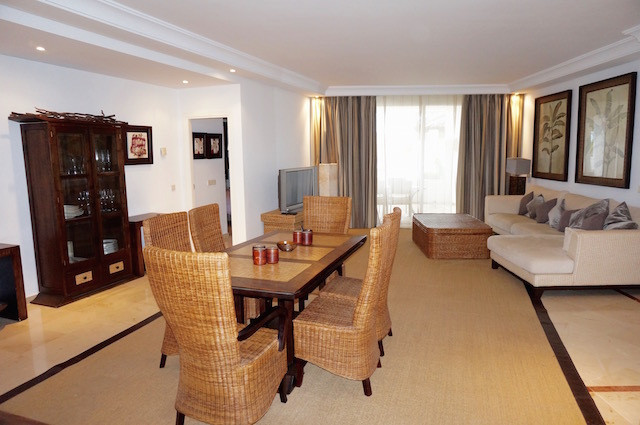 Well decorated 3 bedroom 3 bathroom apartment is located in one of the most desirable areas, near Pu,Spain