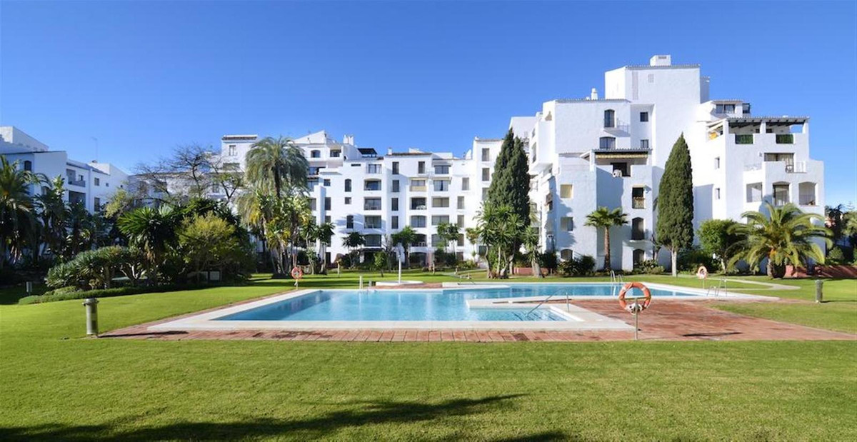 Beautiful apartment for sale at Puerto Banus, Costa del Sol. In excellent conditions and fully furni, Spain