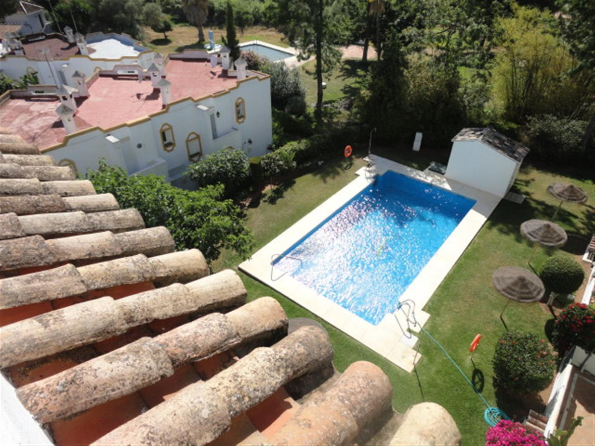 Beautiful duplex penthouse located beachside in Artola, Cabopino - East Marbella. Only 5 minutes wal,Spain