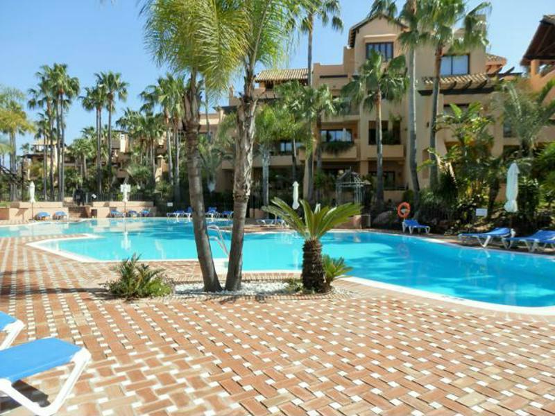 Middle Floor Apartment, San Pedro de Alcantara, Costa del Sol. 2 Bedrooms, 2 Bathrooms, Built 115 m²,Spain