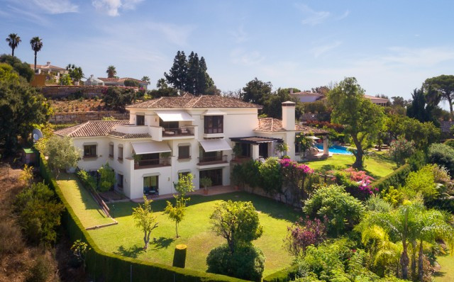 Originally listed for 2,950,000€, recently reduced to 2,600,000€. Enjoying a sought-after location o,Spain