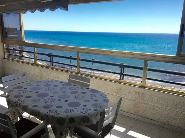 3 bedroom, beachfront apartment with open views of the Muchavista beach.  The apartment by the sea i,Spain