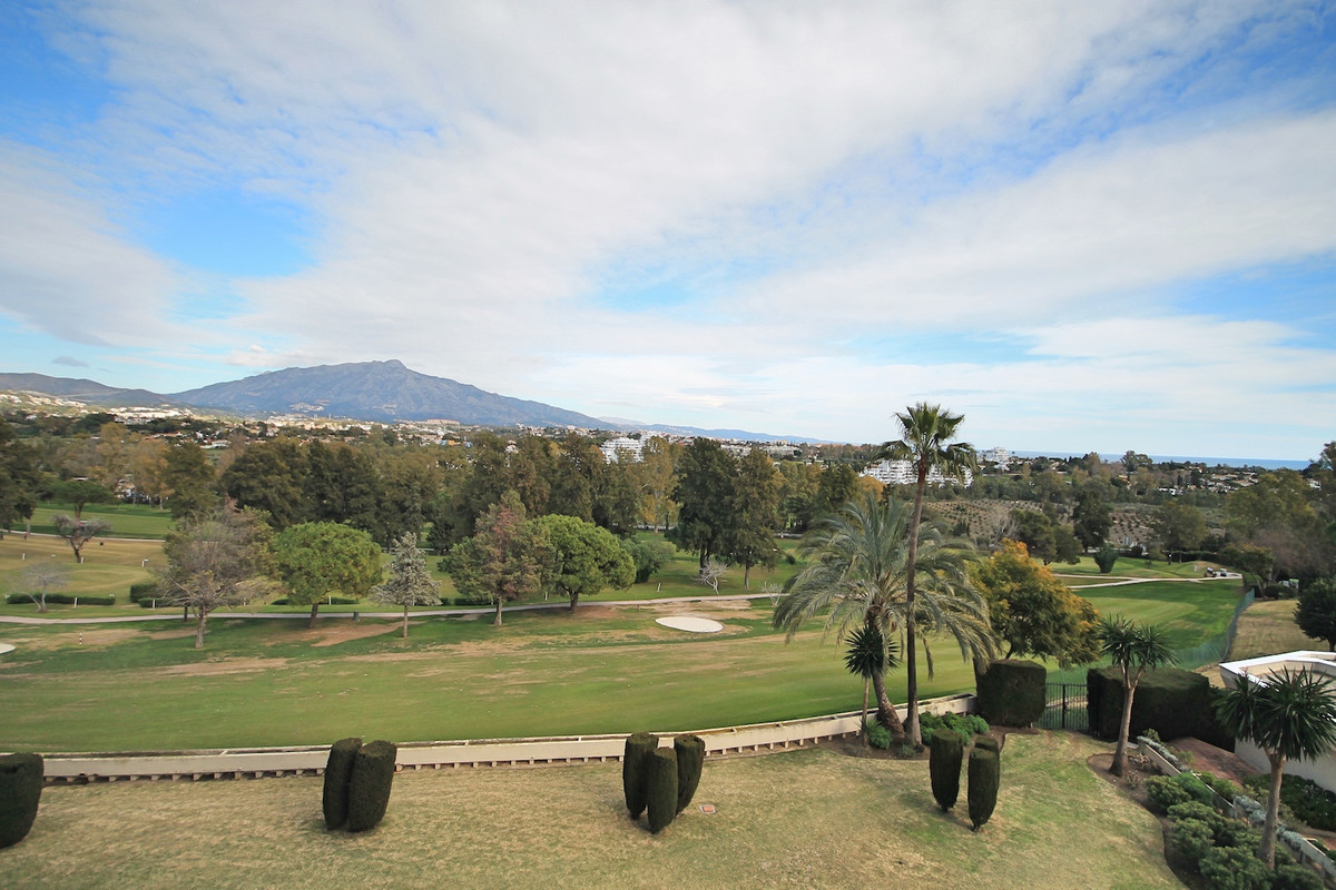 Spacious and elevated, one bedroom apartment with panoramic sea and golf views, in a well establishe, Spain