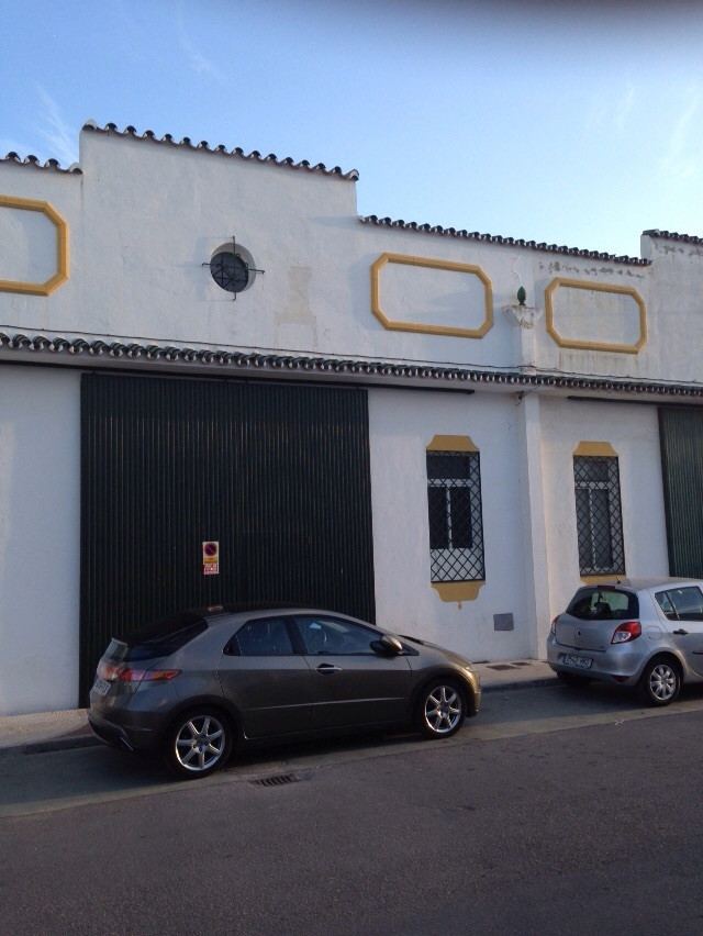 Business, Estepona, Costa del Sol. Built 150 m², Terrace 30 m².  Setting : Close To Shops, Close To , Spain