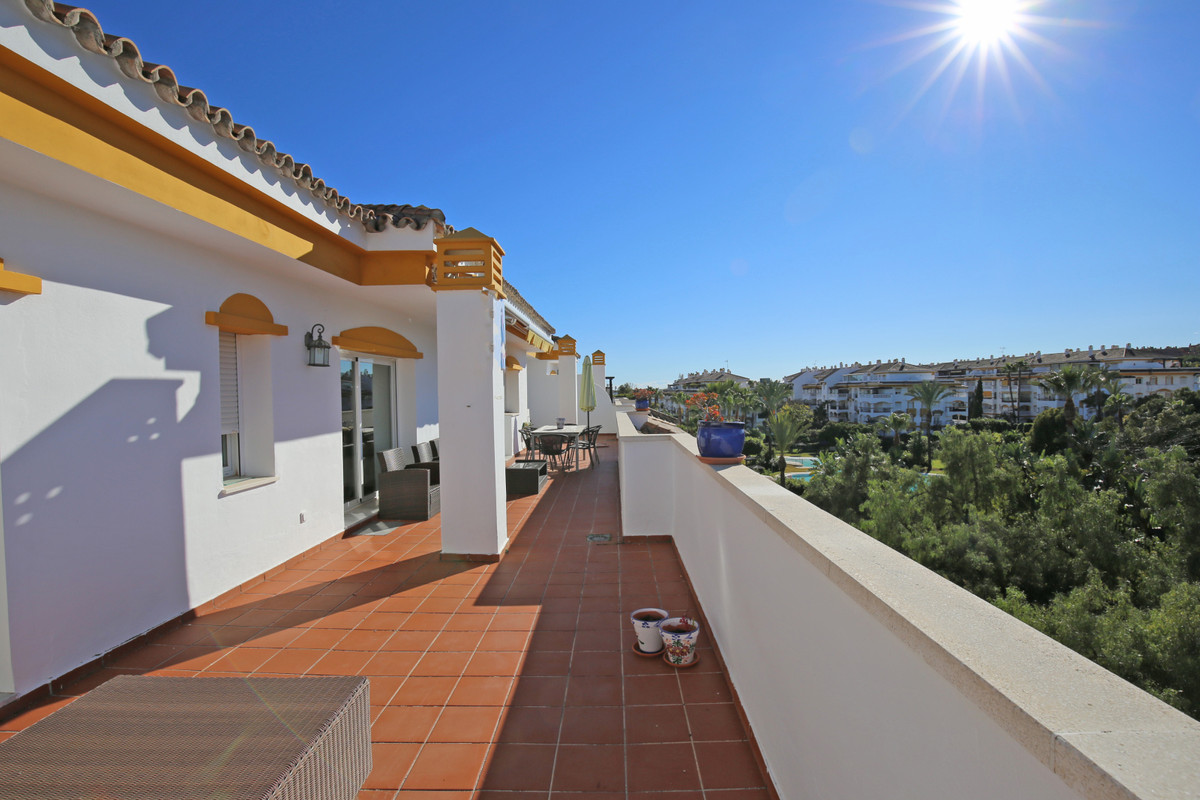 Superb south west facing, two bedroom penthouse in the gated community of La Dama De Noche, just a s, Spain