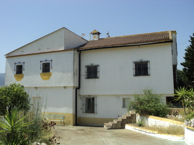 This large abandoned family house built on three levels would make an ideal TOTAL REFORM POJECT and ,Spain