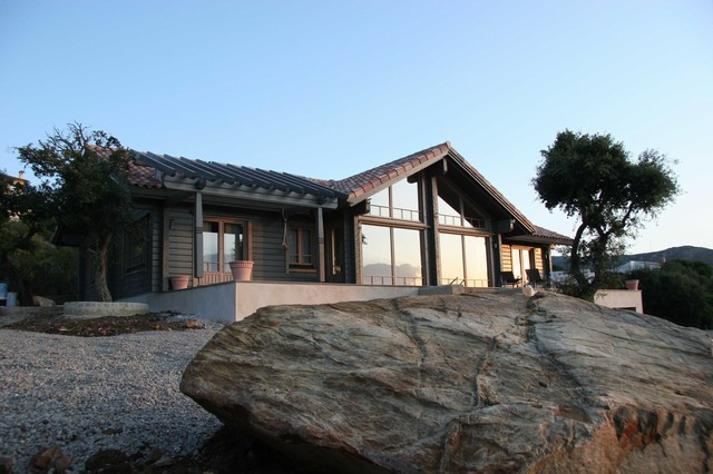 Finca in Tarifa with a wooden house built.The house accommodation comprises 4 bedrooms, 4 bathrooms,,Spain