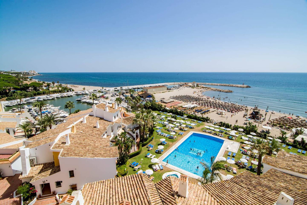 A hidden pearl on Costa del Sol!  Just renovated fresh apartment with 2 bedrooms in Puerto De Cabopi, Spain