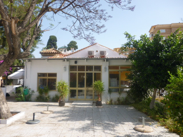 Restaurant + property for sale in Torremolinos!!!!  Located in the area of El Bajondillo, close to t, Spain