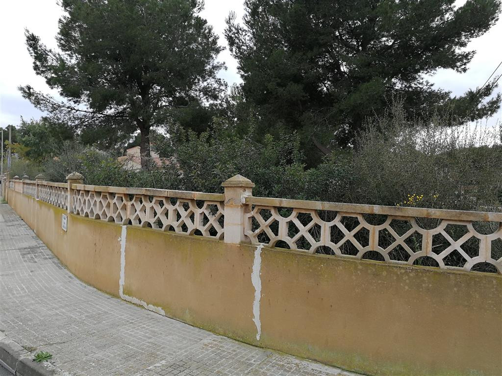 Urban plot at the Toro on Bella Vista Avenue has 820 m2 ideal for a chalet, well connected, the area Spain
