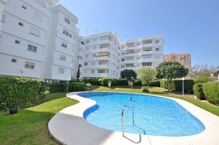 WONDERFUL APARTMENT located in Benalmadena Costa, in very valued complex in the area. South facing t, Spain