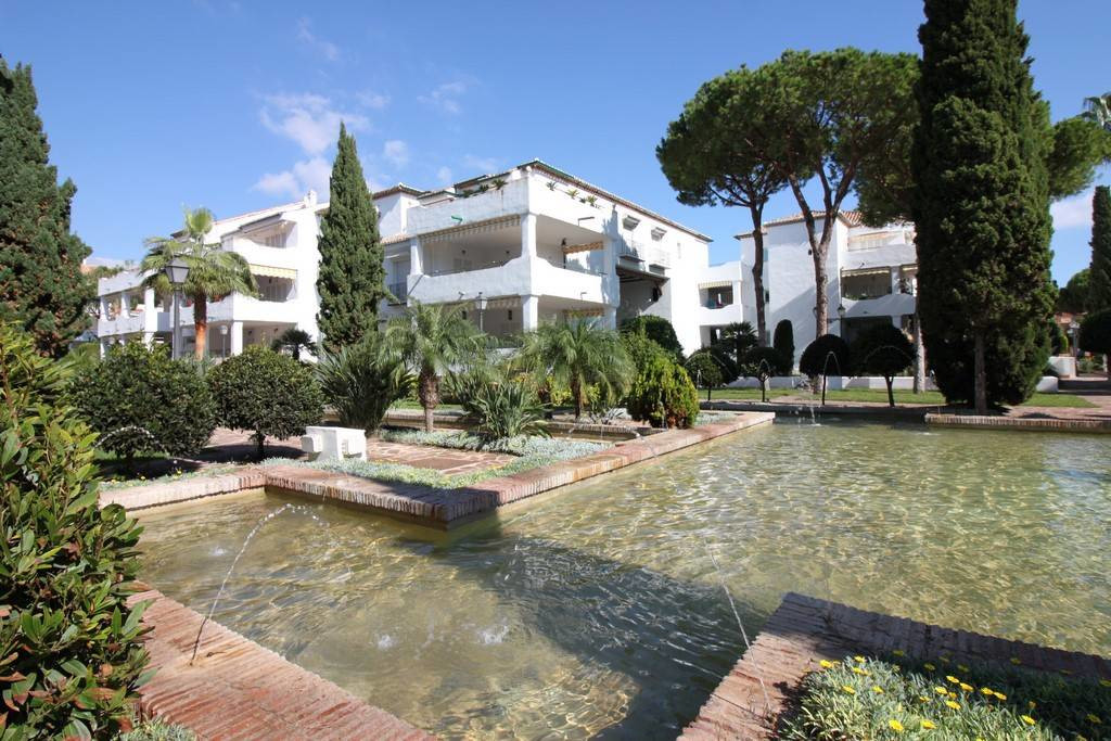 In the New Golden Mile of Marbella, beautiful 2 bedroom apartment with 2 bathrooms, one of them en s,Spain