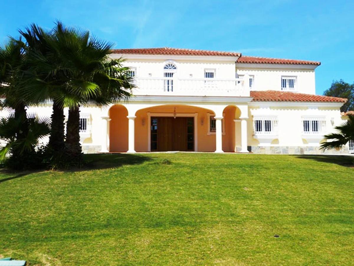 *** Luxury Villa in Sotogrande *** 5 Bedrooms & 5 Bathrooms *** Dressing rooms *** En-suit bathr,Spain