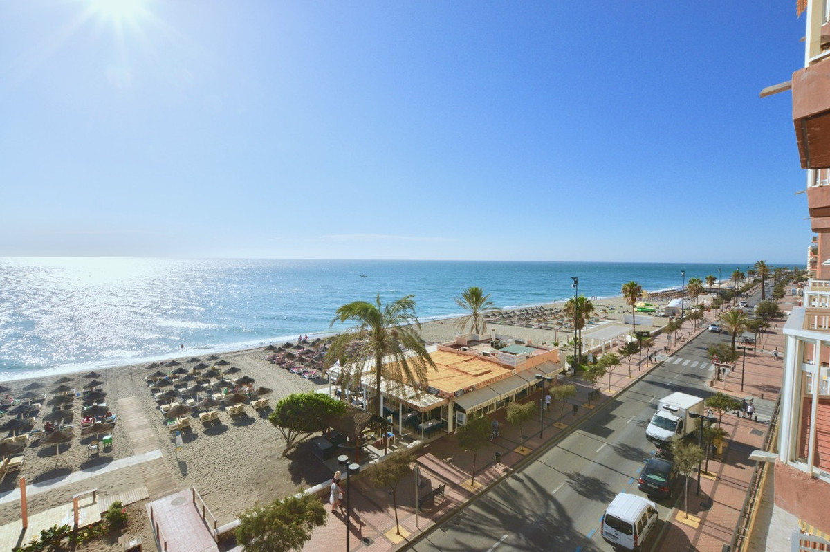 Middle Floor Apartment, Fuengirola, Costa del Sol. 1 Bedroom, 1 Bathroom, Built 64 m², Terrace 4 m²., Spain