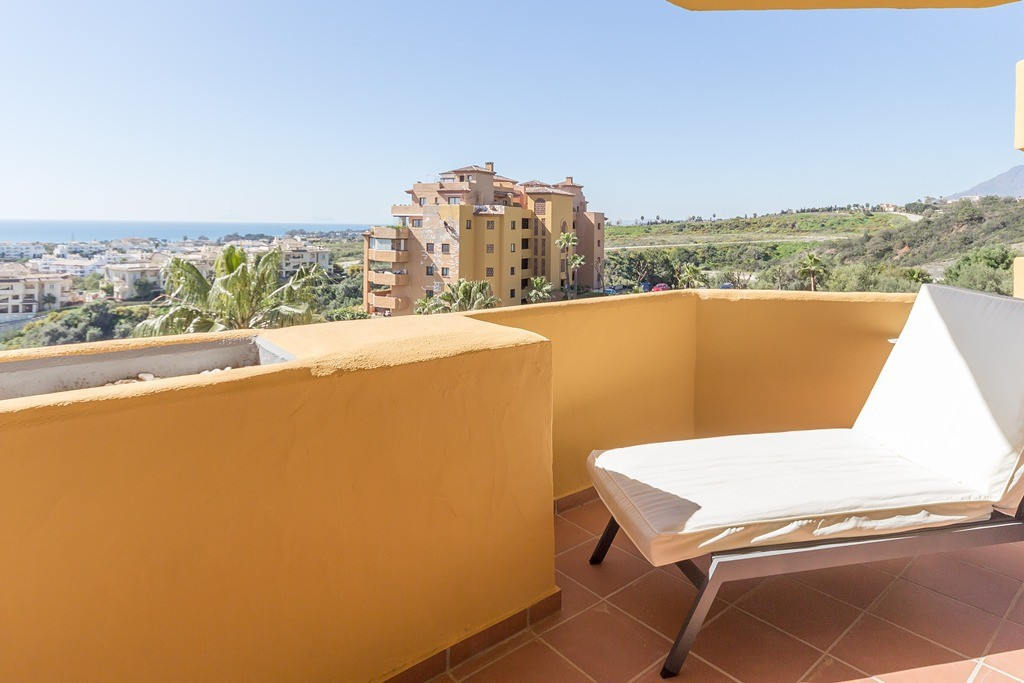 Fantastic 2 bedroom apartment. Completely new open plan kitchen. Modern, spacious and bright with st, Spain