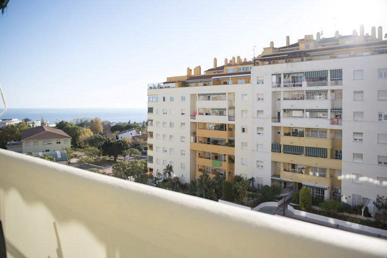 3 bedrooms apartment in downtown area  Located in a central area surrounded by all kinds of services, Spain