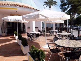 Fantastic opportunity to buy the lease hold on this Bar/Restaurant, situated in a great location in ,Spain
