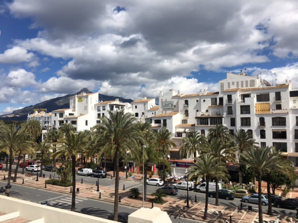 Playas del Duque, Bloque Malaga  Situated in the heart of Puerto Banus, this is a very well presente, Spain