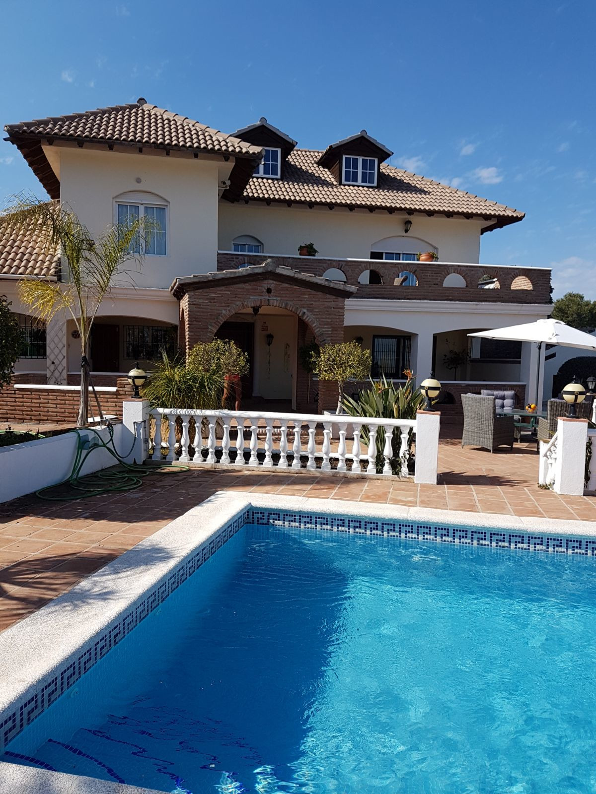 EXCEPTIONAL & TRULY BEAUTIFUL 3 BEDROOM VILLA LOCATED IN A STUNNING SETTING WITH A LARGE PRIVATE, Spain