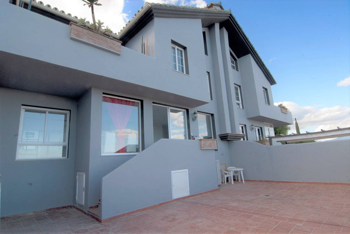 Semi-Detached Villa with AMAZING PANORAMIC COASTAL VIEWS over the coast under a fully renovated for ,Spain