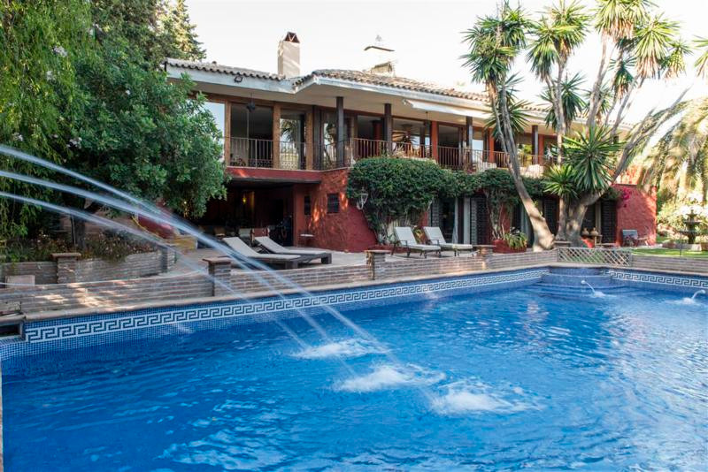 Set In the sought after area of sierra blanca on the golden mile of Marbella ,this property .This pr,Spain