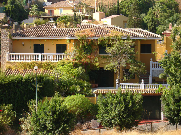 Large luxury villa in one of the best areas of Malaga. The house has three bedrooms upstairs. A smal,Spain