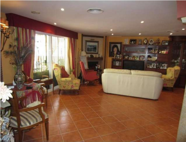 Beautiful luxury house of 446 square meters, with spectacular details. It consists of 3 large bedroo,Spain