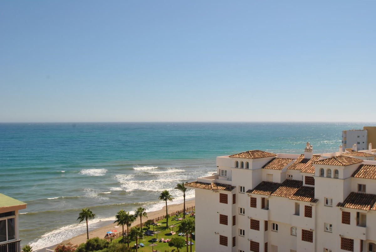 A three bedroom front line beach apartment in Calahonda, Mijas Costa which has been recently renovat,Spain