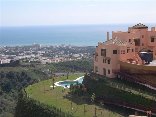 Apartment for sale in Calahonda, Mijas Costa, with 2 bedrooms, 2 bathrooms, the property was built i,Spain