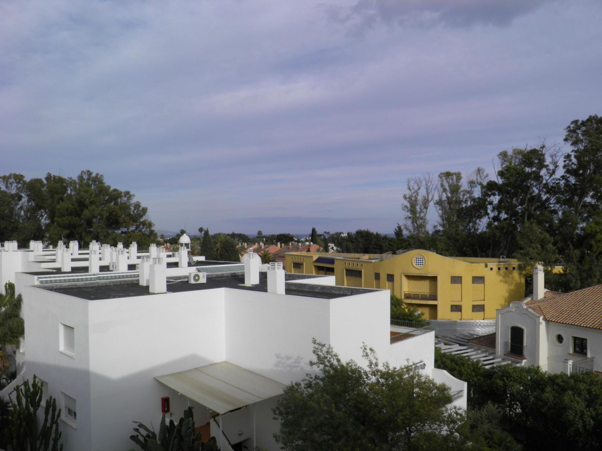 Nice apartment in Guadalmina Baja, close to the shopping center, the golf course and the beach. It h, Spain