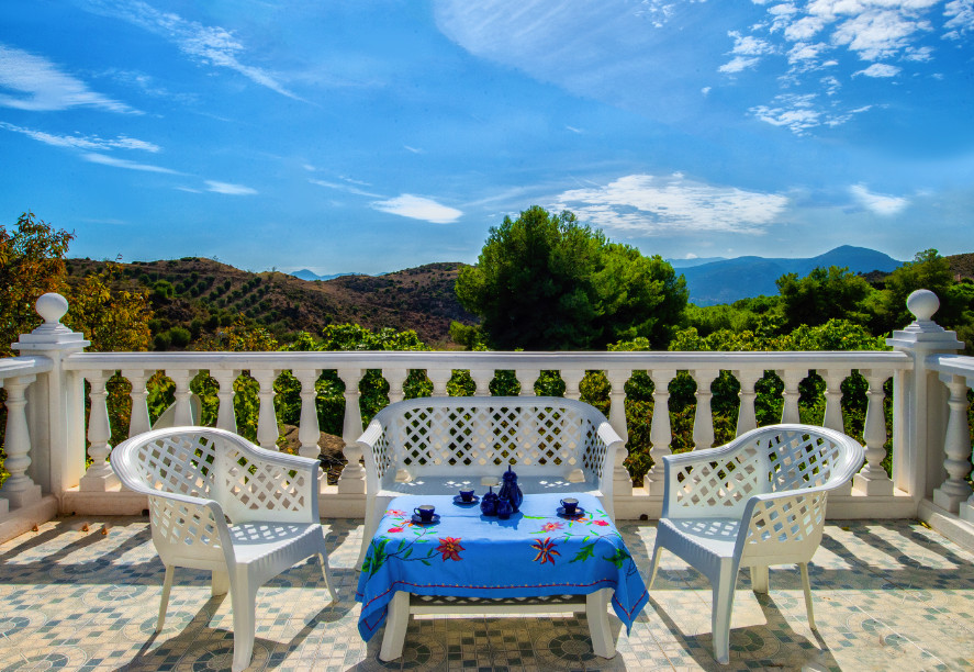Would you like to have breakfast here every morning? Beautiful farm of 2250 m2 with an isolated hous, Spain