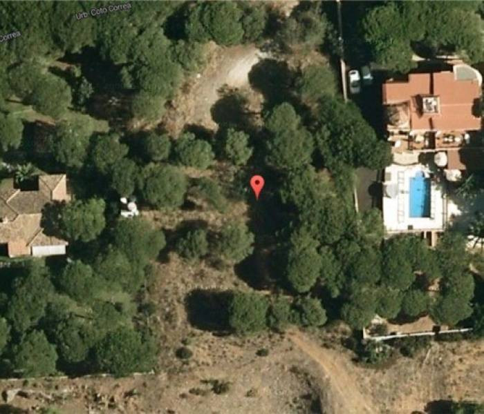 Great and very large building plot for sale in Marbesa. A project available for two individual house,Spain