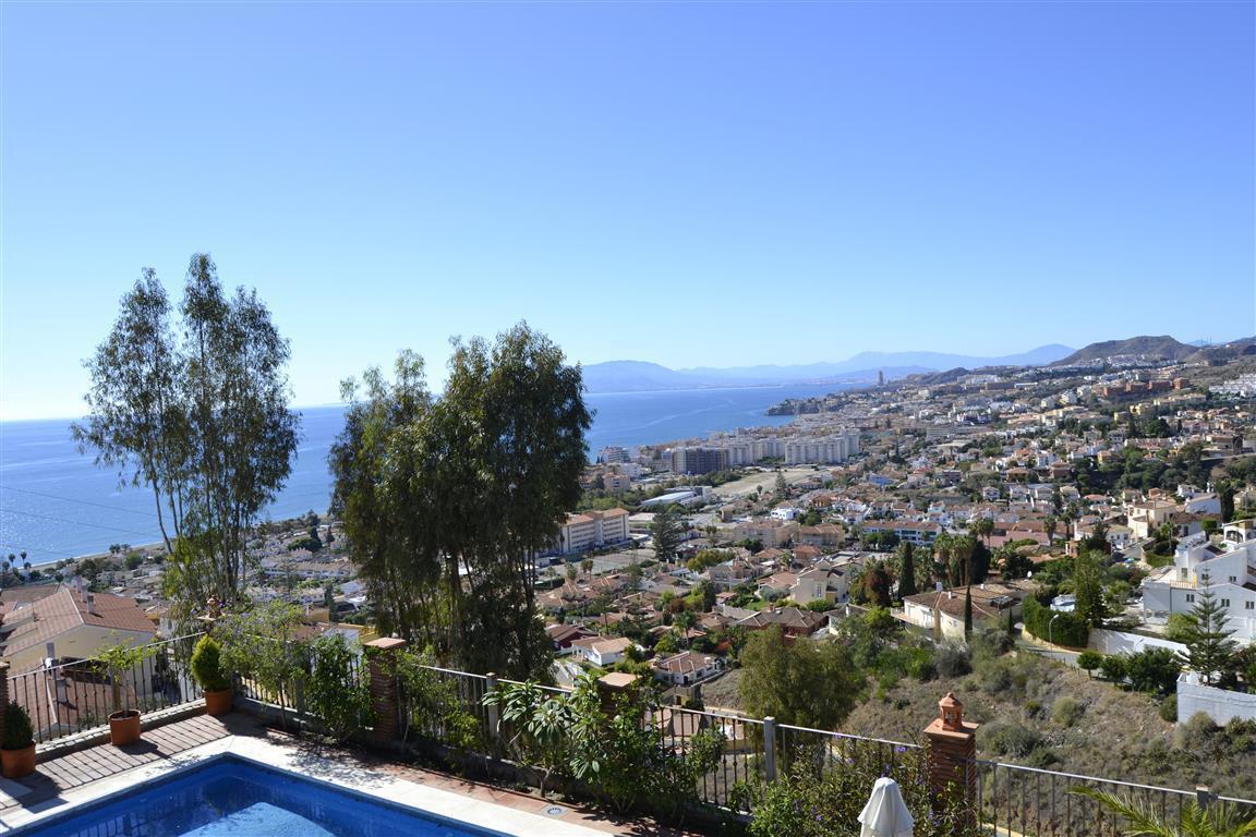 Detached Villa, Malaga Este, Costa del Sol. 6 Bedrooms, 6 Bathrooms, Built 400 m², Terrace 40 m².  S,Spain