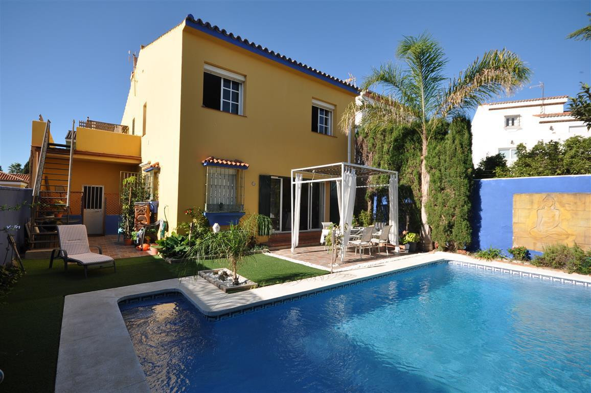Magnificent Andalucian style villa, with private swimming pool,  built using very good quality mater, Spain