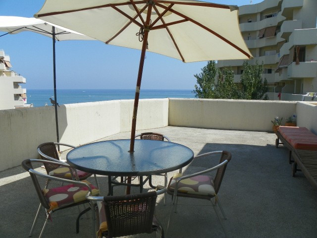 Fabulous 1 bedroom apartment located in the well known resort of Benal Beach in Benalmadena Costa. O,Spain