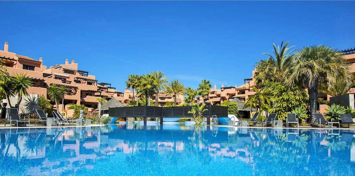 Beachfront *** Ground Floor Apartment *** Excellent On Site Facilities *** 24-Hour Security *** Infi,Spain
