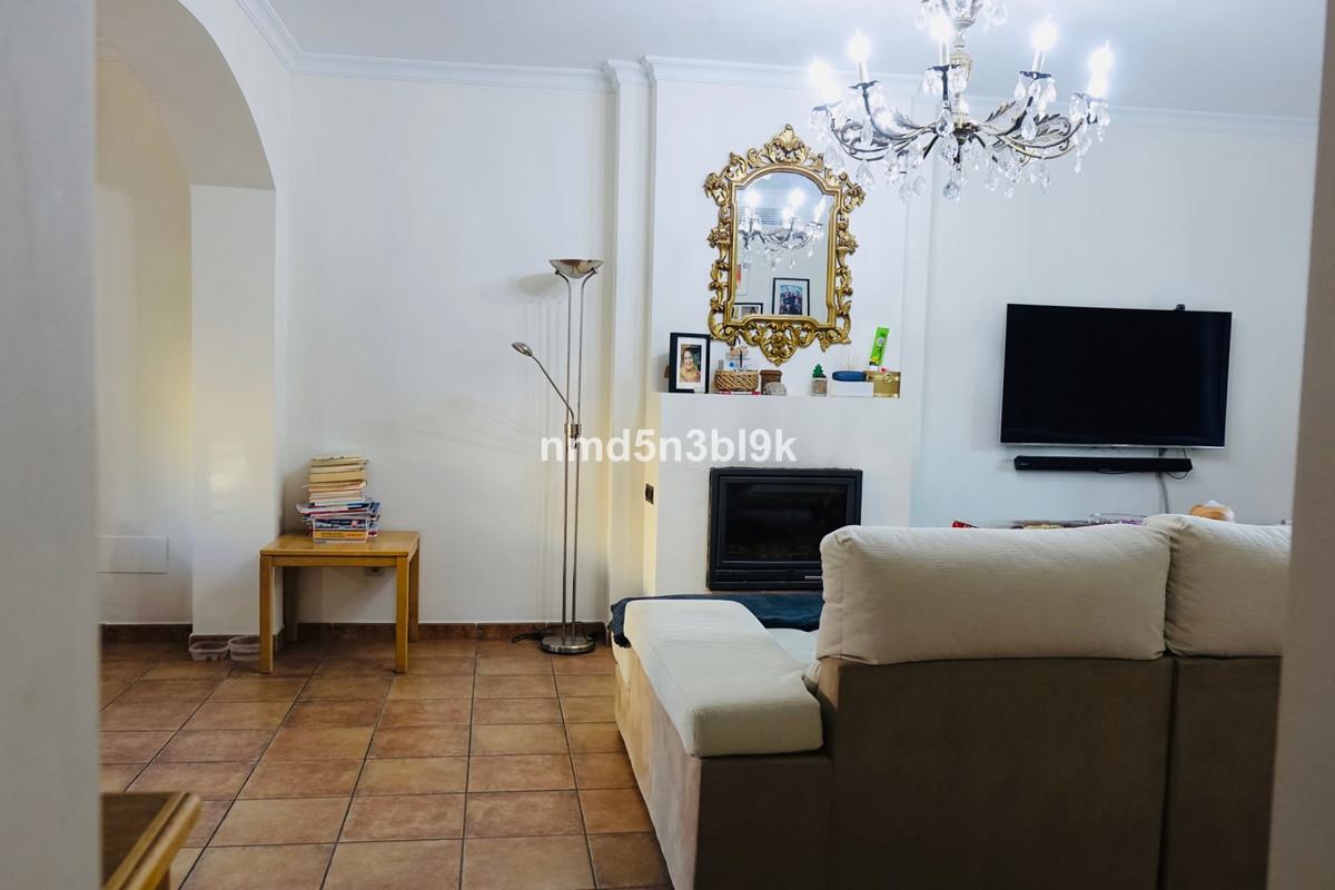 Semi-Detached House, Mijas Costa, Costa del Sol. 4 Bedrooms, 2 Bathrooms, Built 200 m².  Setting : T,Spain