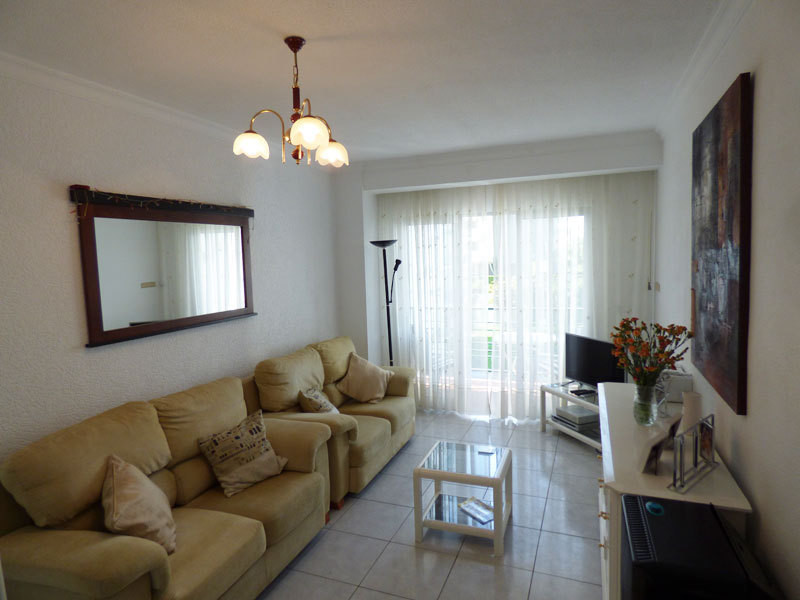 OPPORTUNITY! Apartment for sale in Benalmadena Costa just 300 meters from the seafront and beaches o, Spain
