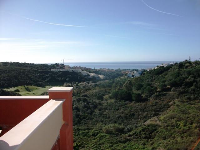 Amplios apartamentos de 2 dormitorios, 2 banos, situado en el corazon de la Costa del Sol, en uno de,Spain