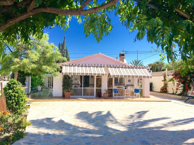 Picturesque 4 bedroom villa, in secluded yet convenient location, just 5 minutes from local golf cou,Spain