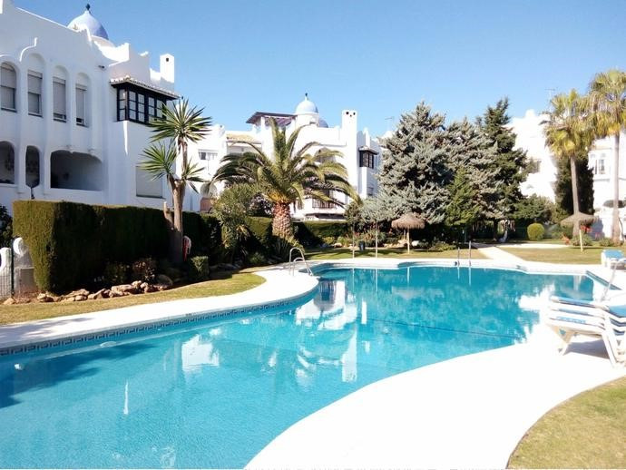 INVESTMENT!  Good Rental Potencial. Spacious studio next to the shopping center and the beach, sunny,Spain
